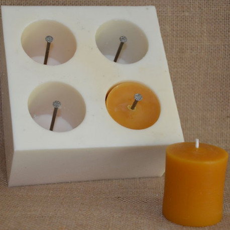 moule en silicone 4 bougies votives terre de bougies. Black Bedroom Furniture Sets. Home Design Ideas